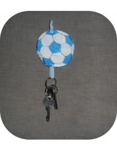Motif de broderie machine ballon de foot  porte clé   ITH