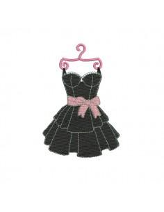 Motif de broderie machine robe noire