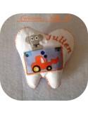Motif de broderie machine  coussin souris dent de lait