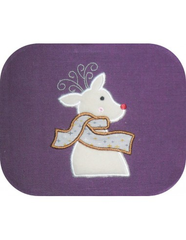 embroidery design Christmas deer with its garland