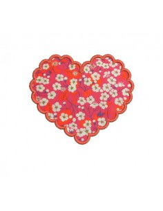 Motif de broderie machine coeur feston appliqué