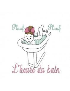 Motif de broderie machine fille vintage prenant un bain dans un bidet