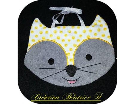 embroidery design Mouse bib