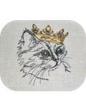 Motif de broderie machine chat avec sa couronne