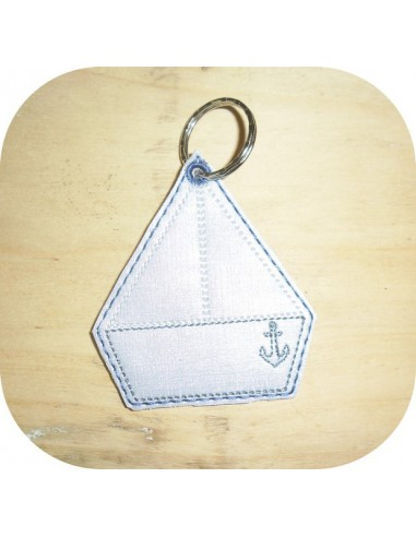 machine embroidery design boat keychain ith