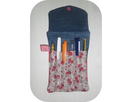 Motif de broderie machine étui crayons  ITH