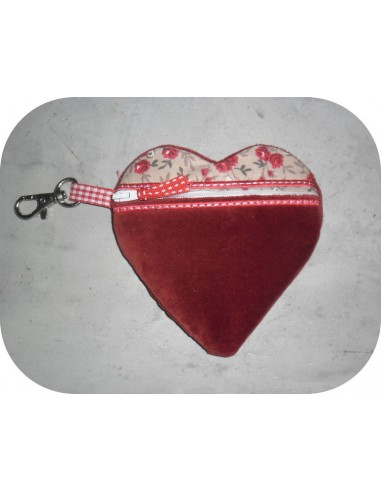 Instant download machine embroidery zip purse heart  ith