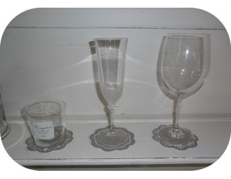 Motif de broderie dessous de verre baroque