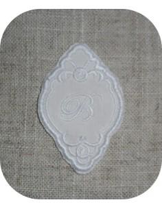 Embroidery design little frame applique