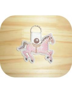Motif de broderie machine porte clé cheval en mylar  ITH