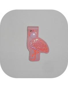 Motif de broderie machine porte clé flamant rose en mylar  ITH