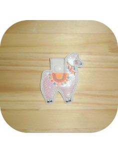 machine embroidery design flamingo mylar keychains ith