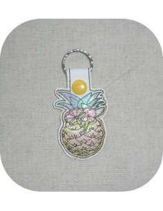 machine embroidery design pineapple mylar keychains ith