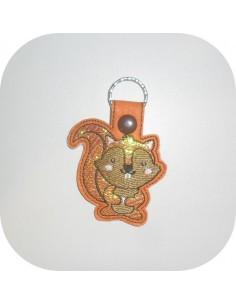 Motif de broderie machine porte clé écureuil en mylar  ITH