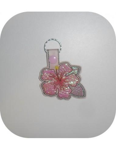 Motif de broderie machine porte clé fleur d'hibiscus  en mylar  ITH