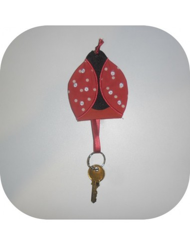 machine embroidery design ladybug key ring or pacifier range ith