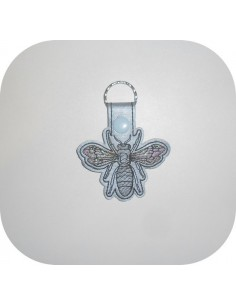 machine embroidery design  bee  mylar keychains ith