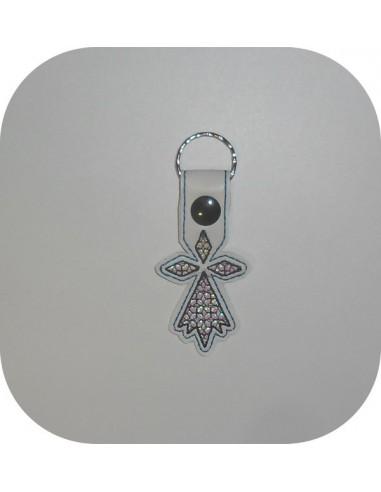 machine embroidery design  cicada mylar keychains ith