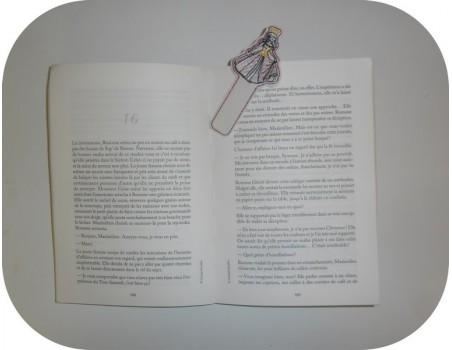 Motif de broderie machine ITH marque pages princesse