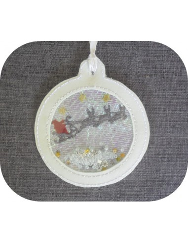 Motif de broderie machine boule de noël père Noël  en mylar et en relief  ITH