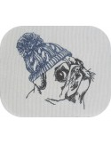 Motif de broderie machine carlin avec son bonnet en laine