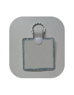 Motif de broderie machine porte clé carré personnalisable   ITH
