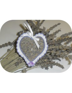 Motif de broderie machine  coeur festonné pour lavande avec pompon