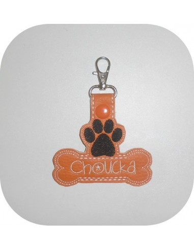 machine embroidery design  cat or dog  paw  keychains ith