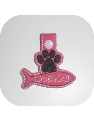 machine embroidery design  customizable dog paw with bone keychains ith