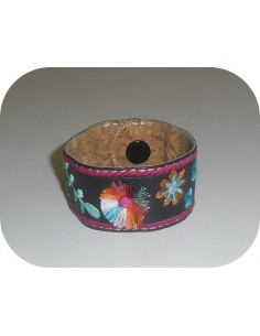Motif de broderie machine ITH bracelet  pompon rond bohème