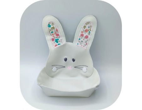 machine embroidery design ith rabbit head box