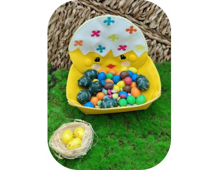 machine embroidery design ith easter chocolates chick basket