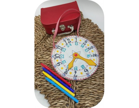 machine embroidery design  ith clock to learn the time