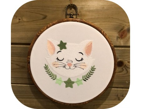 machine embroidery design  sleeping cat with stars