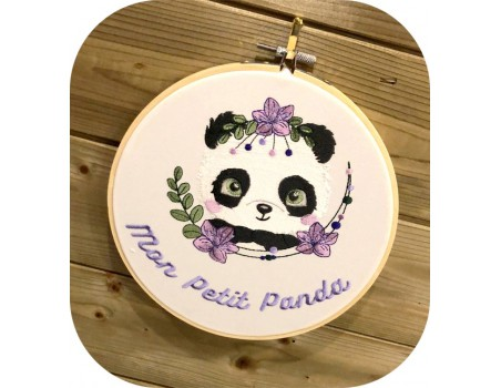 Motif de broderie machine panda  fleurs