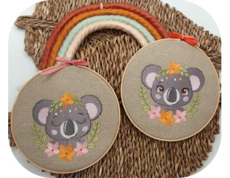 Motif de broderie machine koala avec ses fleurs