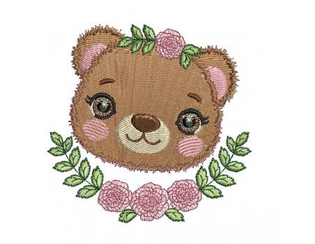Motif de broderie machine l'oursonne  avec ses fleurs