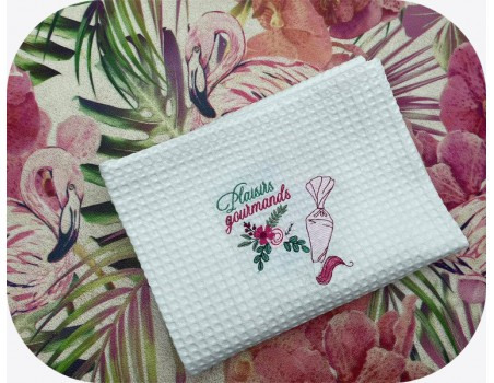 machine embroidery design shabby kitchen piping bag