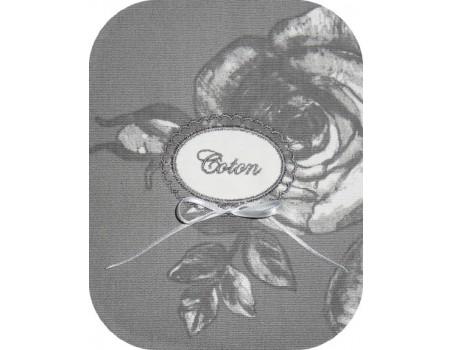Motif de broderie machine étiquette festonnée à oeillets