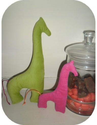 Motif de broderie machine doudou girafe ith