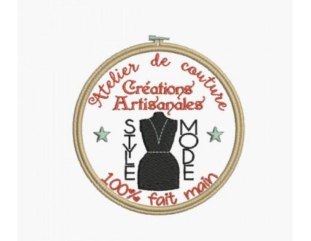 Motif de broderie machine atelier de couture mannequin