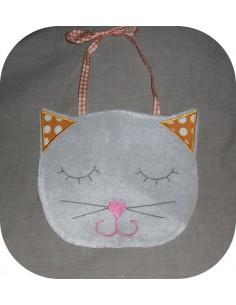 embroidery design Cat bib